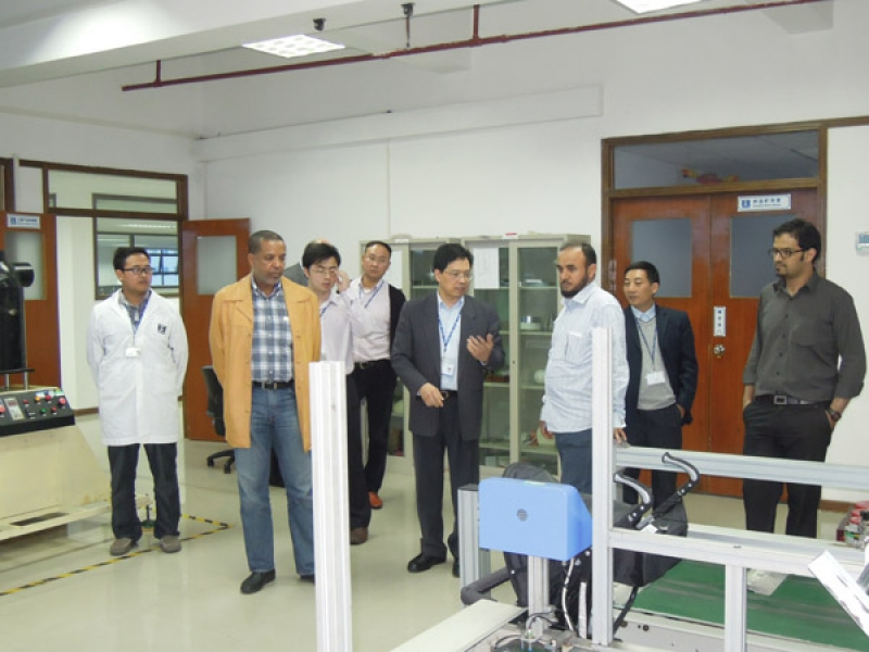 海湾标准化组织(GSO)官员参观东莞标检