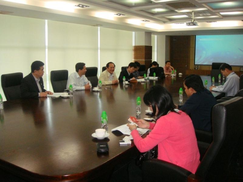 中央人民政府驻香港特别行政区联络办公室及广东省外经贸厅领导到访